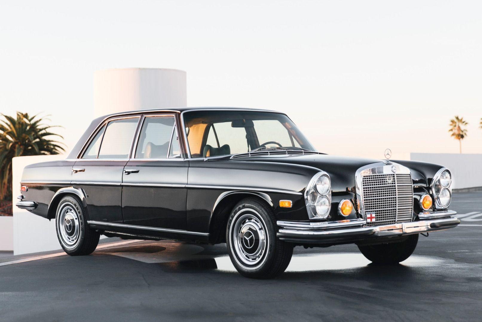No Reserve 1973 Mercedes Benz 280se 4 5 In 2020 Classic Mercedes Mercedes Benz Mercedes Benz Classic