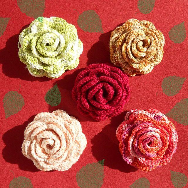 Ravelry: Rose Brooch pattern by Daniela Herbertz - free crochet ...