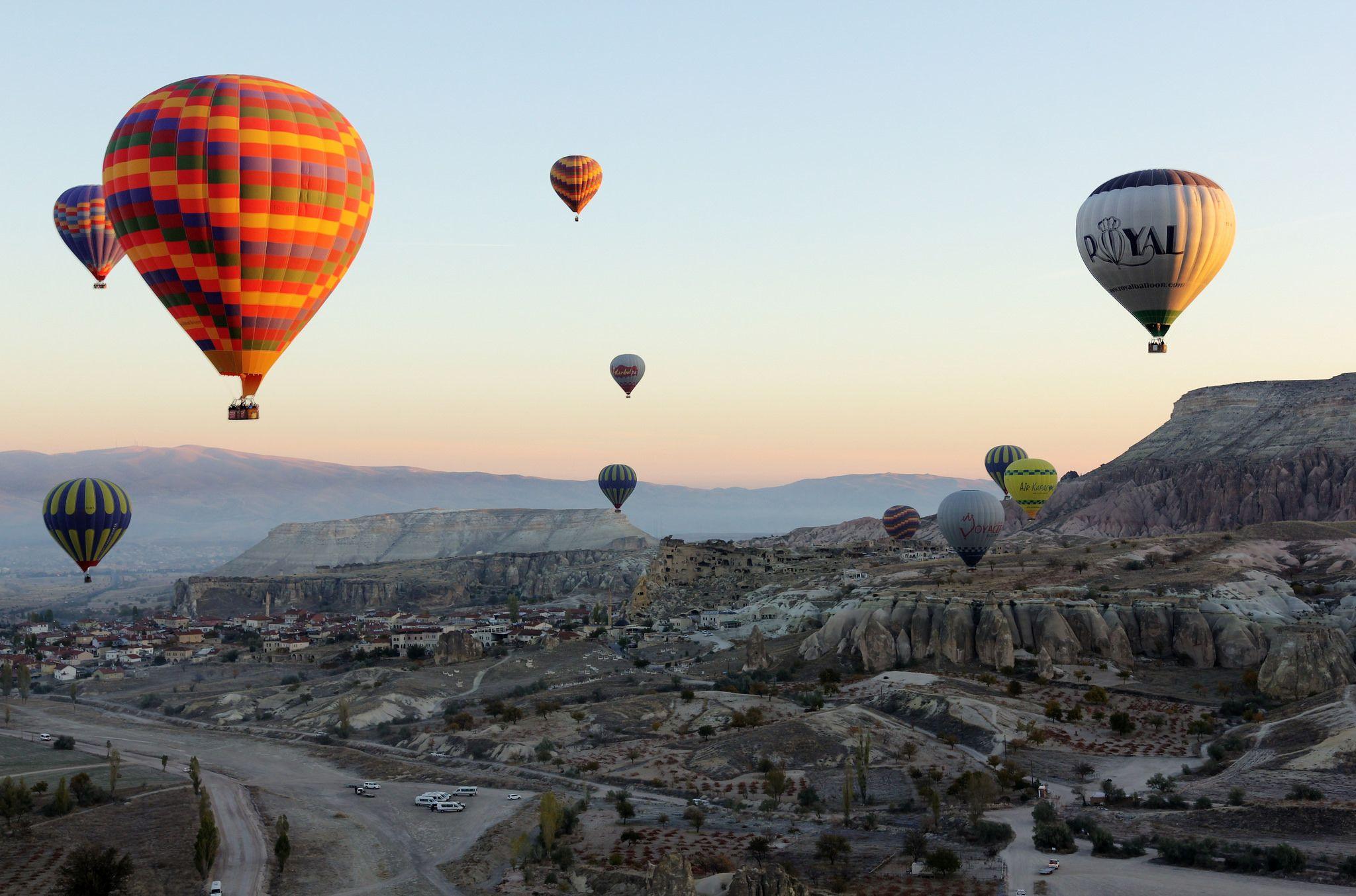 Cappadocia Hot Air Balloons (With images) Air balloon