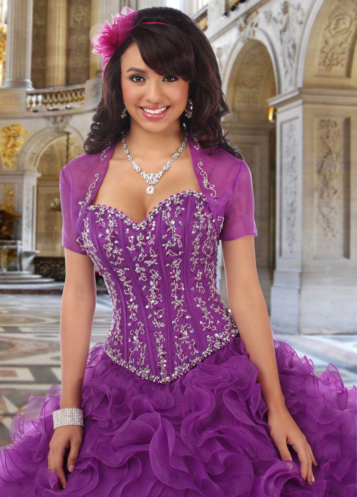 Pin de Priya Avi Sasi en Ball Gowns | Pinterest