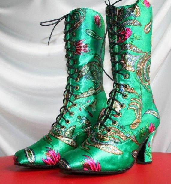 Victorian  Boots style in ucrainian floral print door kioskofoli, $150,00