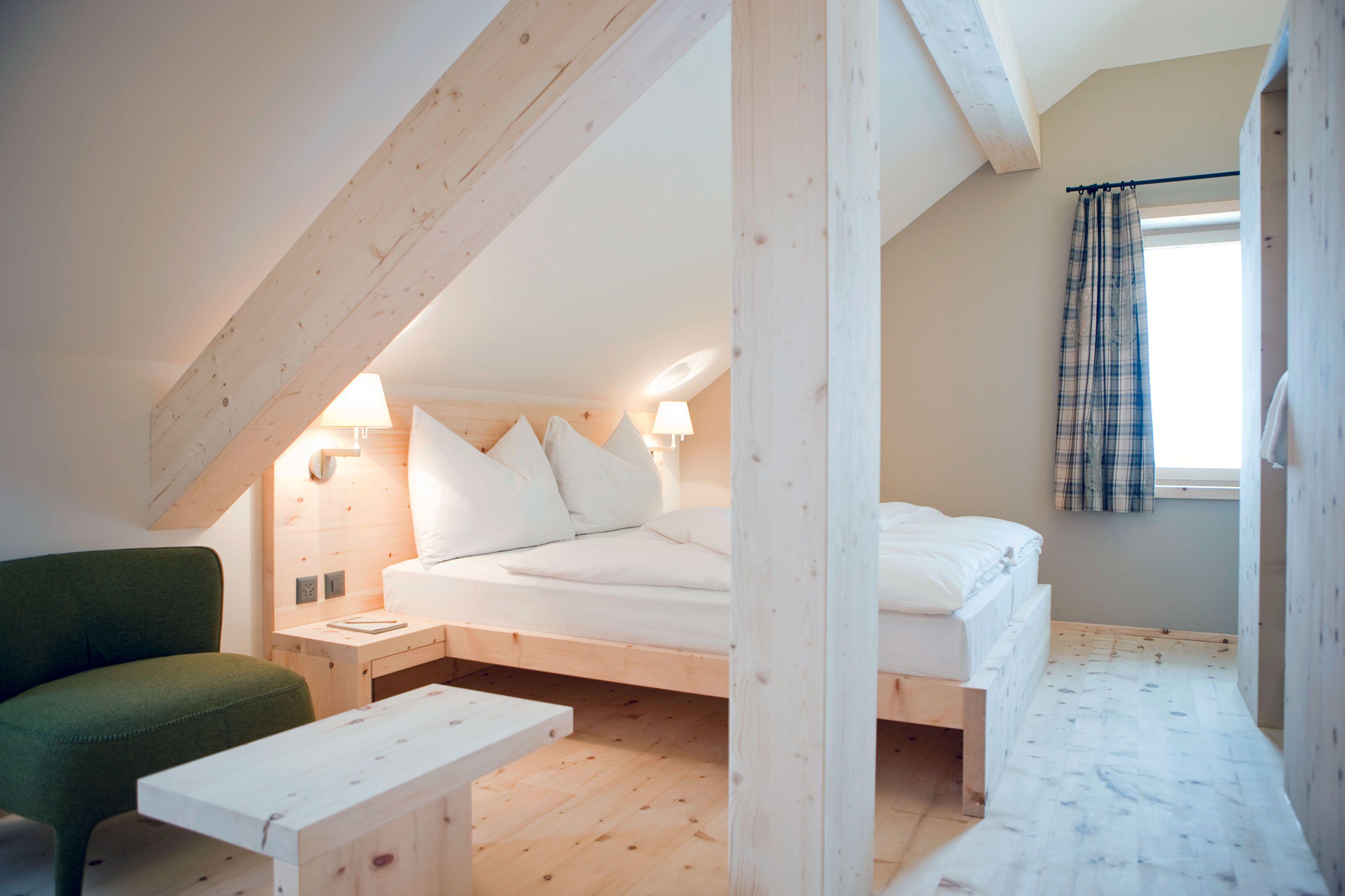 Small attic loft bedroom ideas  Pin by ale san on Cosy attic  Pinterest  Bedroom Attic and Attic