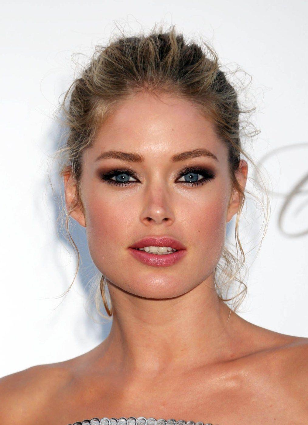 gorgeous smokey eye for blue eyes #beauty #doutzen #smokeyeye