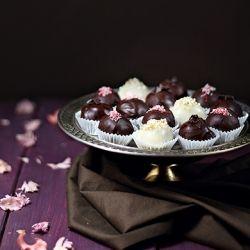 Raspberries, Caramel and Oreo Chocolate Candies!