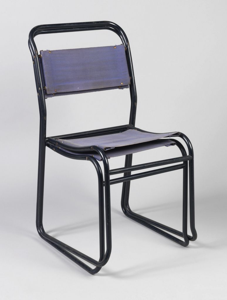 Stretcher Chair Stacking Chair With Frame Formed By Black Metal Tubes As Side