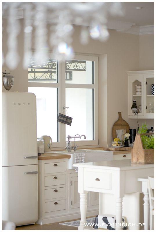 smeg creme kueche kitchen pinterest k che k chen ideen und moderner landhausstil. Black Bedroom Furniture Sets. Home Design Ideas