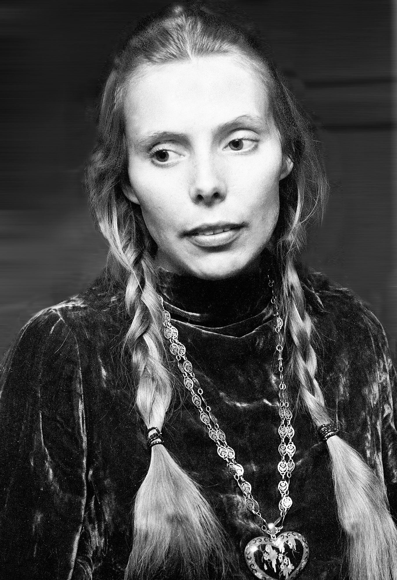 An Ode To Joni Mitchell S Bohemian Blonde Pretty People