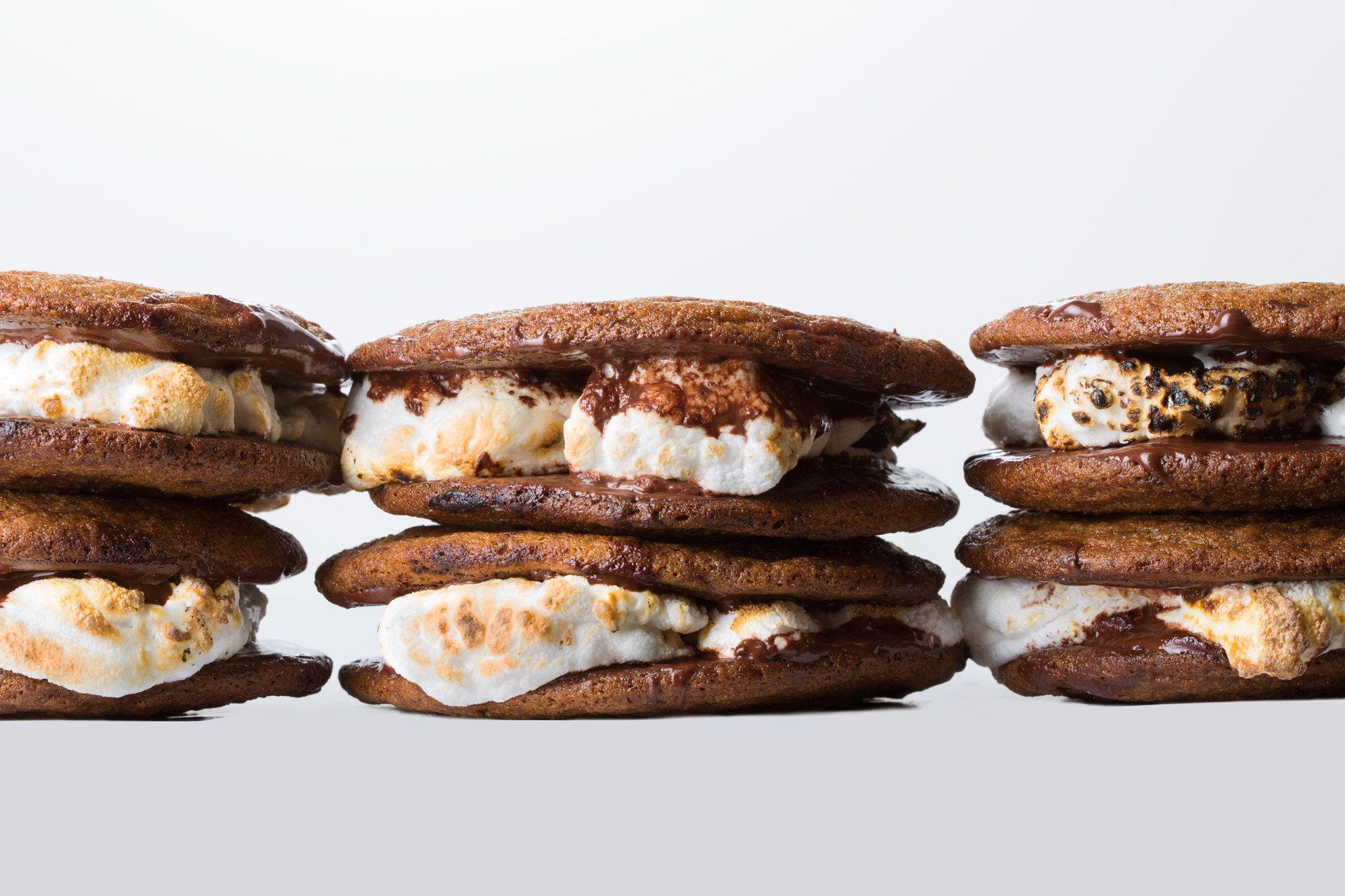 Smores sandwich cookies recipe sandwich cookies food