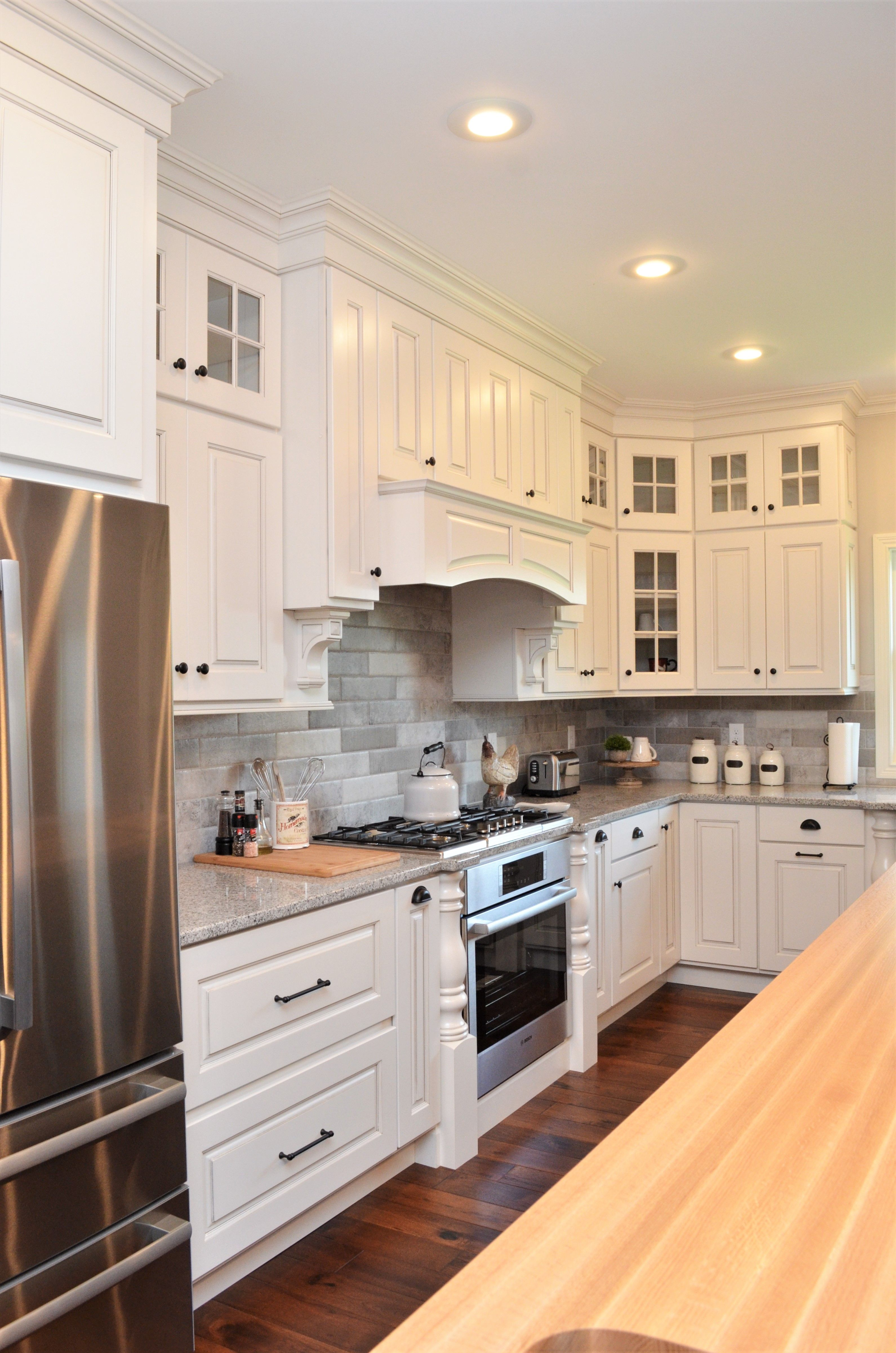 Haas Cabinetry Wood Species Maple Cabinet Finish Bistro Door Style Dover Island Maple Kitchen Cabinet Styles Contemporary Kitchen Cabinets Kitchen Cabinets