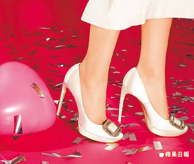 Limelight Choc鞋子前端加上防水台, 鞋跟高度為10公分。8萬1200元