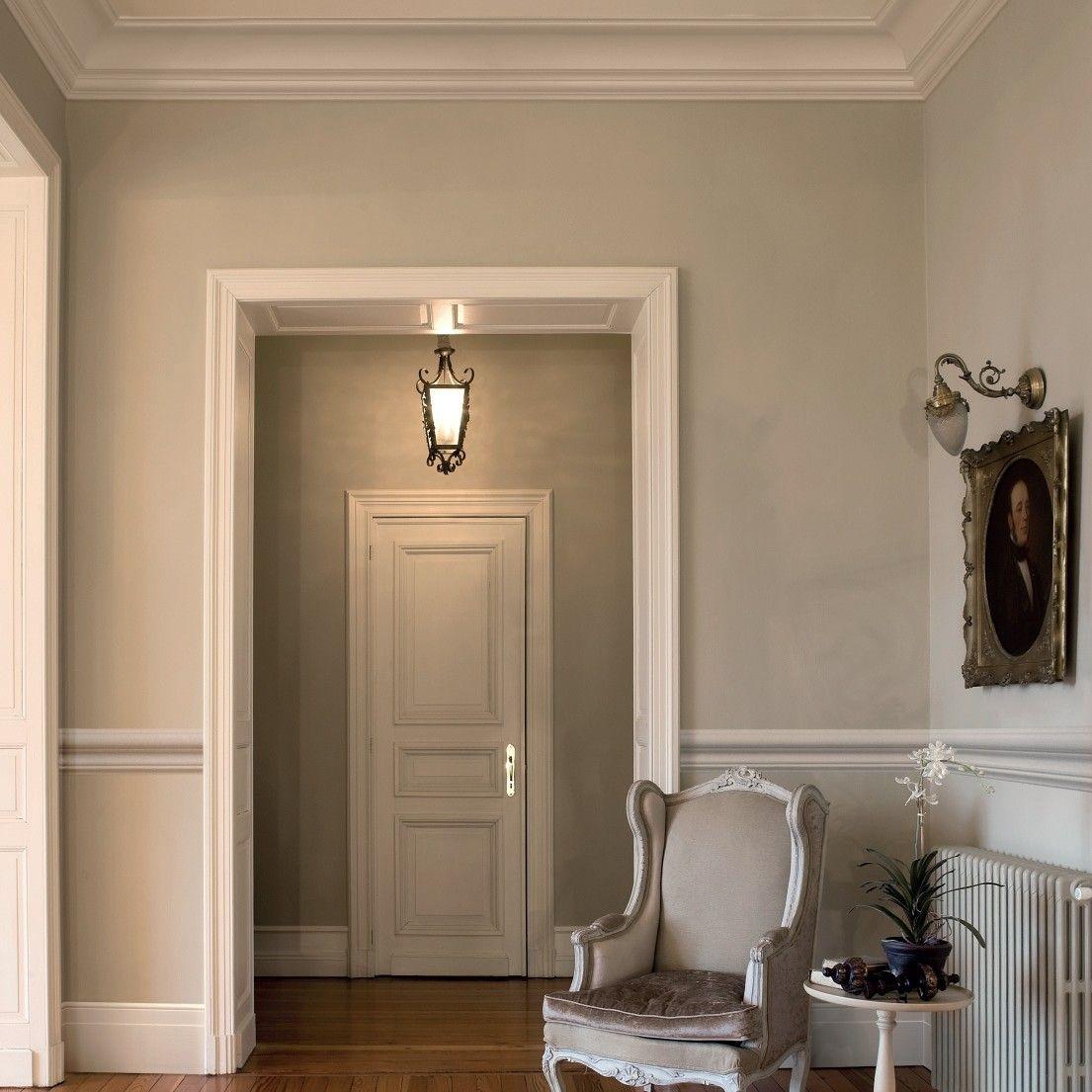 Peinture haut bas moulure milieu blanc deco pinterest cimaise decoration et maison - Peinture boiserie porte ...