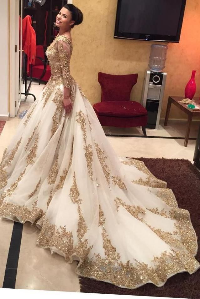 Luxurious Gold Lace Appliques 3 4 Sleeves V Neck Ball Gown Tulle Wedding  Dress 620b186be