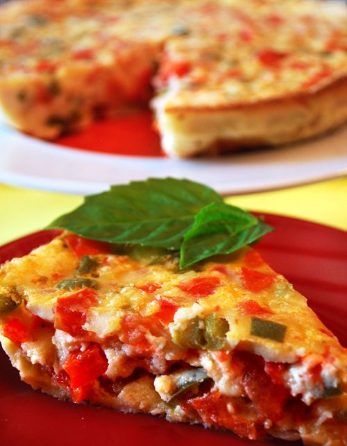 Tomato Bell Pepper Quiche Recipe : Serve this healthy egg recipe when you are looking for a classic brunch dish. This tasty tomato bell pepper quiche is made with a combination of whole eggs, egg whites and low fat milk.