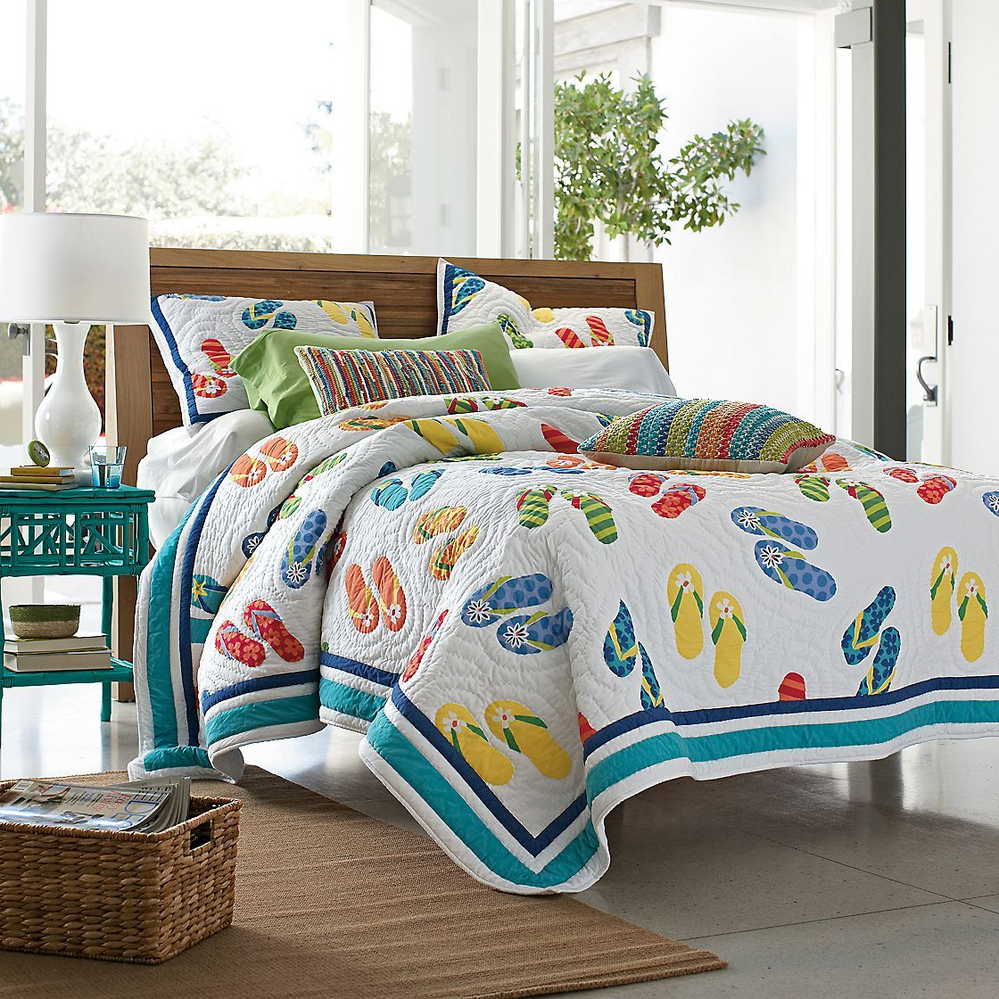 Capture the essence of the beach with this lightweight bedding!