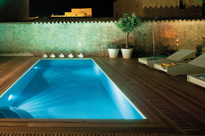 Una iluminaci n con focos led para piscinas pools - Iluminacion con led ...