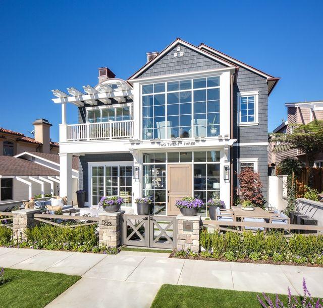 Luxury Farmhouse Interior Design: Interior Design Ideas: Modern Coastal Shingle Home