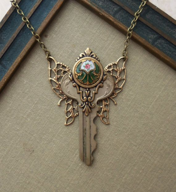 steampunk fairy key necklace with antique by timelesstrinkets gem pinterest schl ssel. Black Bedroom Furniture Sets. Home Design Ideas