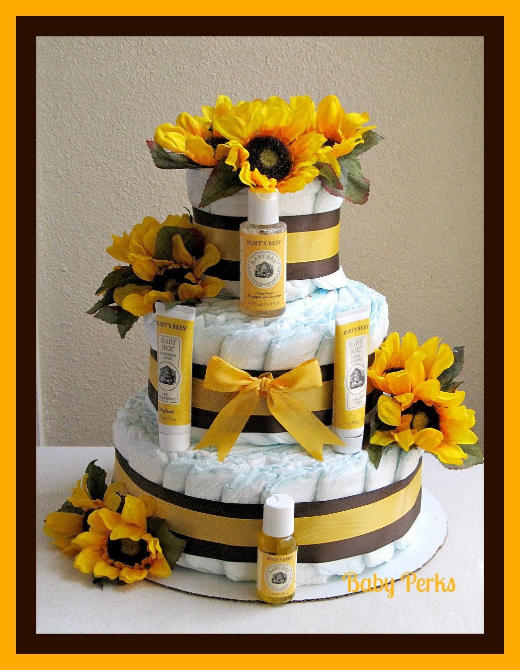 Gender Neutral Diaper Cake, Baby Shower Decorations , Baby Gift , Baby  Shower. $82.00