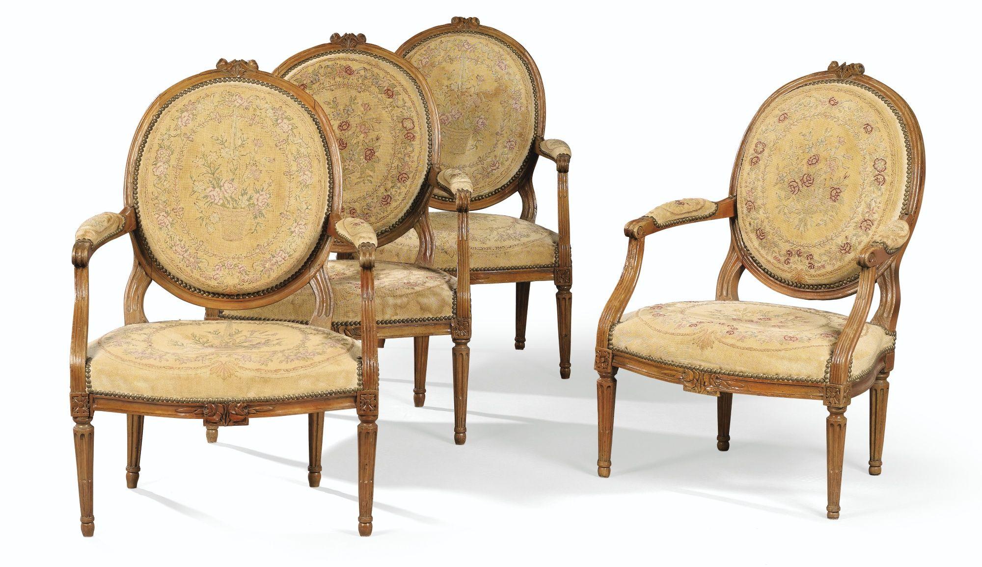 Suite de quatre fauteuils à dossier plat en hêtre sculpté d'époque Louis XVI   lot   Sotheby's