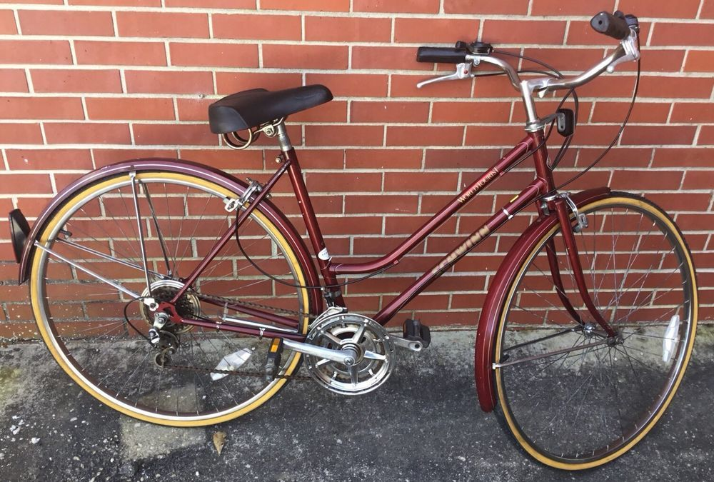 8ff600fe9fd Vintage Schwinn World Tourist Womens 10 speed bike - free shipping #Schwinn