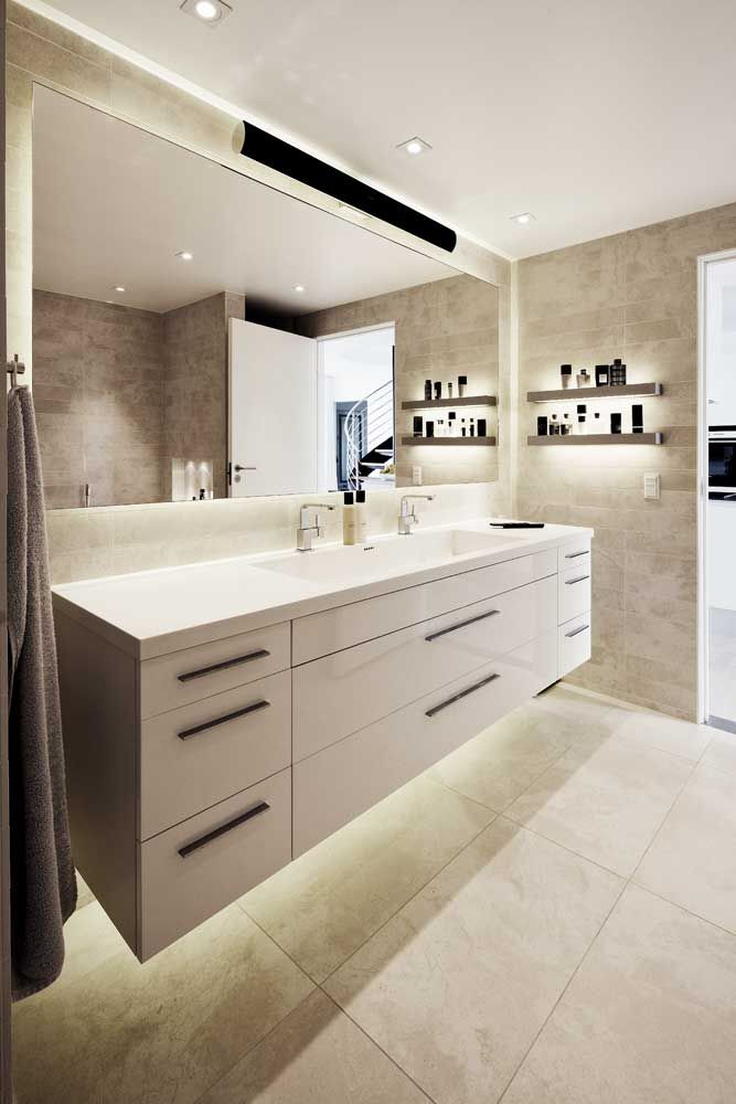 Belle salle de bain moderne d coration for Belle salle de bain moderne