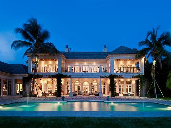 Beau Beach Mansion At Night With Pool Fountains Luxury Palm Beach Mansion