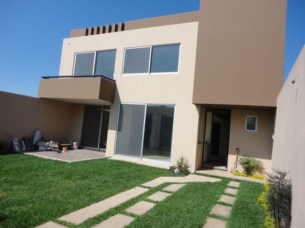 Fachada desde jardin casa sola residencial en venta en for Residencial casas jardin