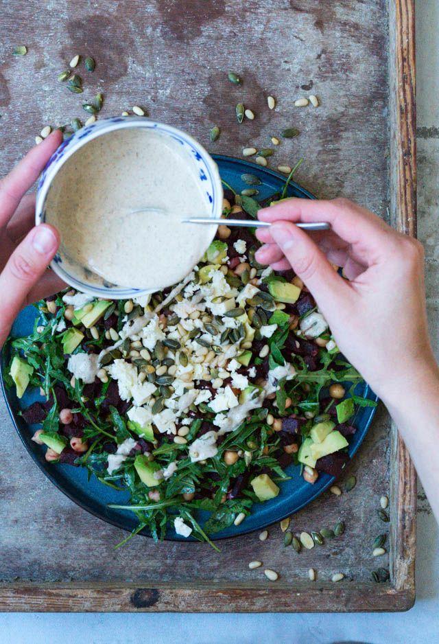 Den bedste salat med bagt rødbede og tahindressing