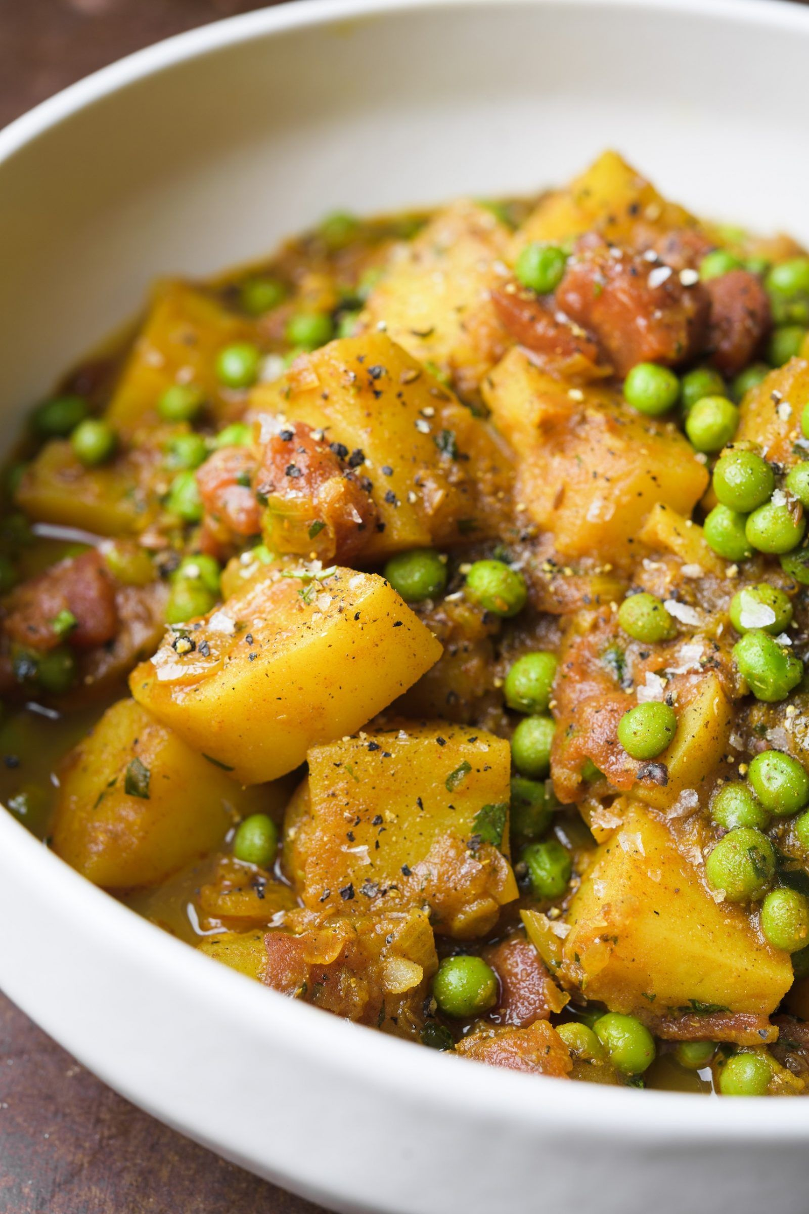 Potato And Green Pea Curry Aloo Matar Recipe Green Peas Recipes Potato And Pea Curry Curry
