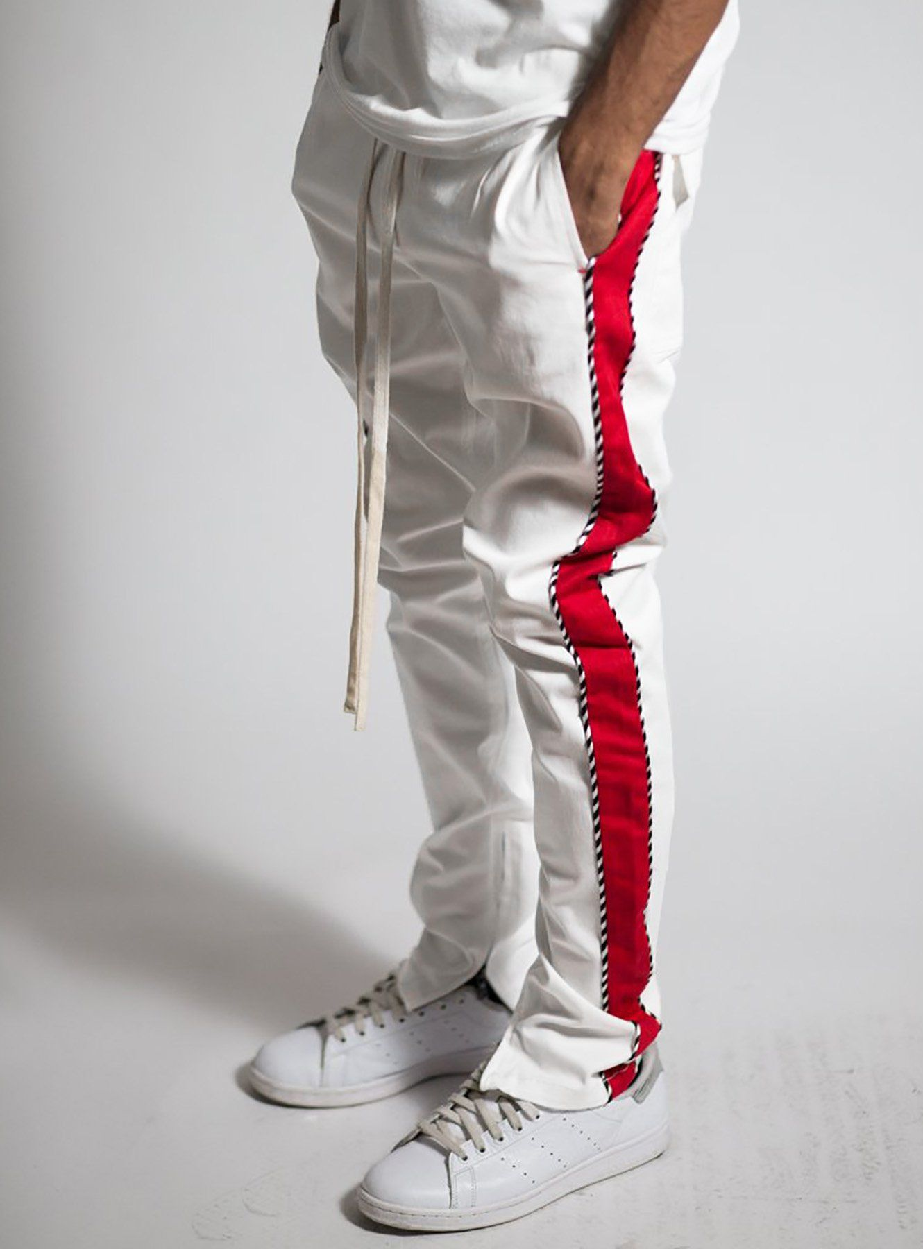 ed5be5cf15a2 xtra long draw string - Red stripe on each side - Striped piping details -  Zipper at ankles - Stretch twill for maximum comfort and style - Model is  1m78 ...