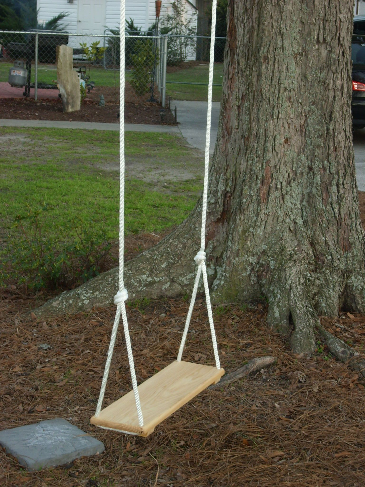 Old Fashioned Rope Swing This Brings Back Some Wonderful Childhood Memories Tree Swing Rope Swing Swing