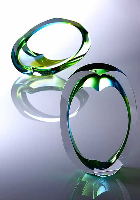 Nikki Williams - Glass Art --- hand-carved bolwn glass art forms.