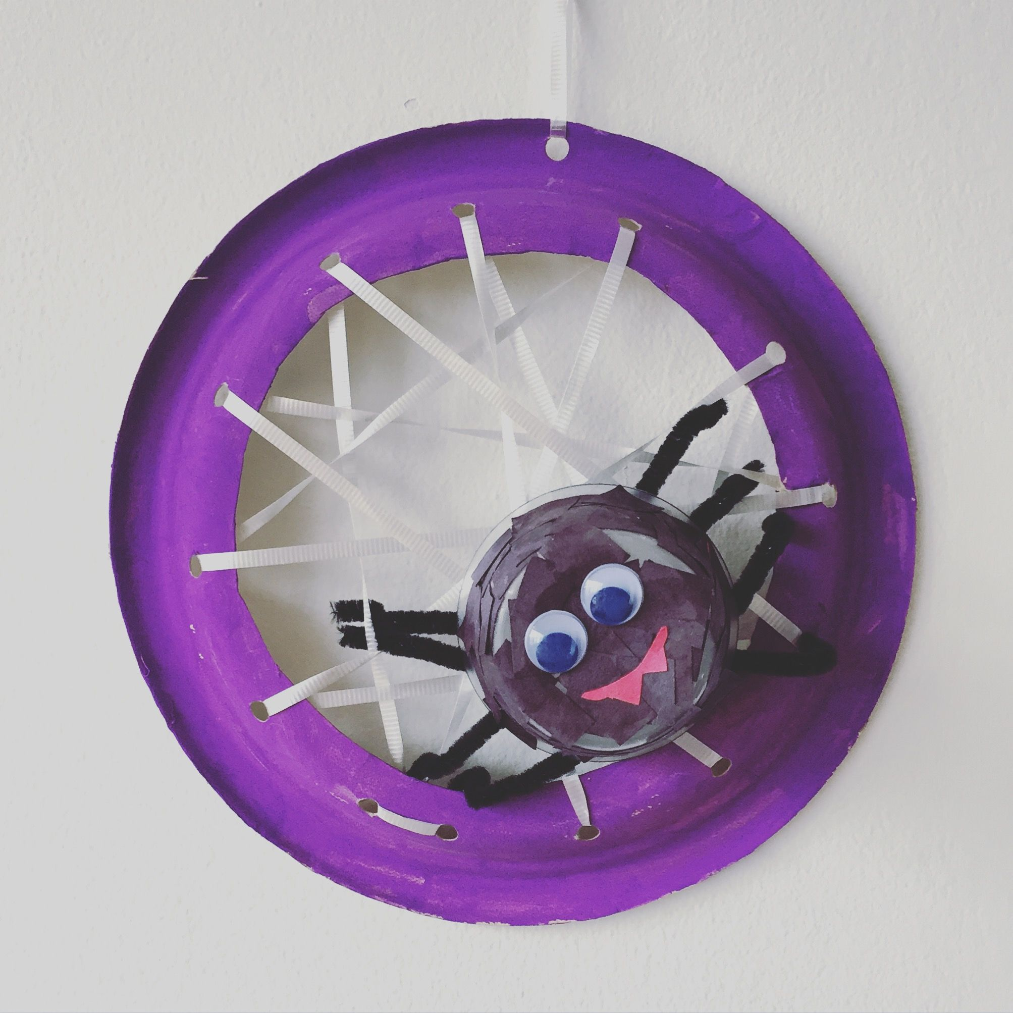 Halloween crafts make your own spider and web out of for Projects made out of recycled items