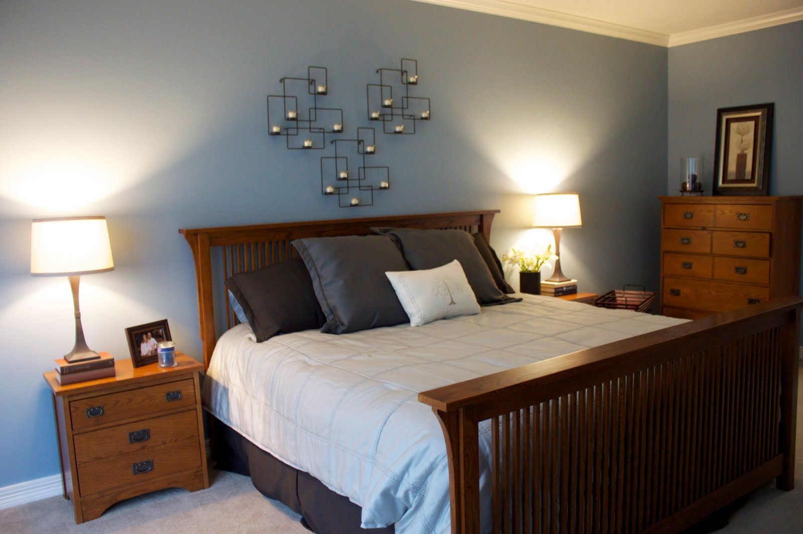 Bedroom wall decorating ideas blue - Soft Gray Blue Master Bedroom Color Design Looks Simple Yet Peaceful