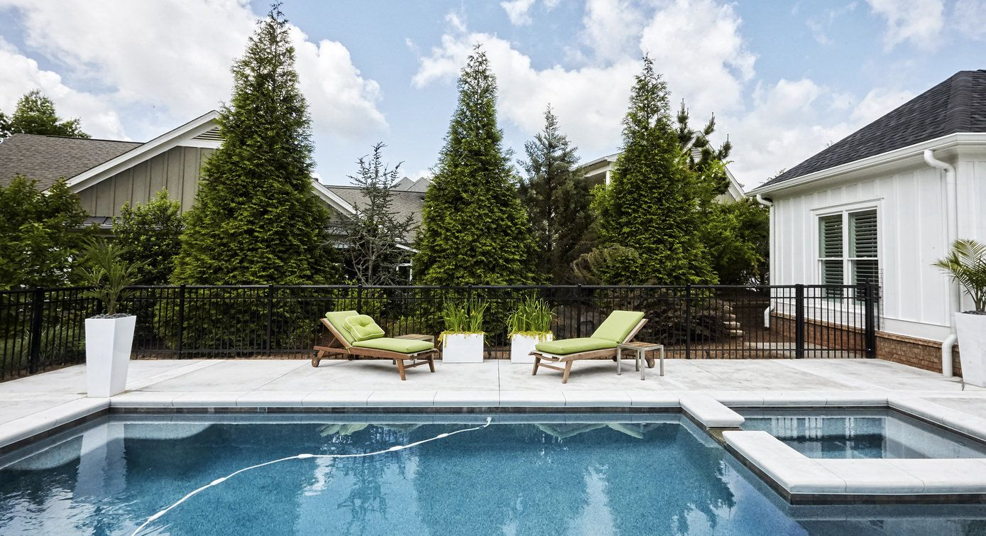 Another Example Of A Great Inground Pool In A Small Backyard In Fact That S A Fairly Small Pool With E Backyard Pool Cool Swimming Pools Small Swimming Pools