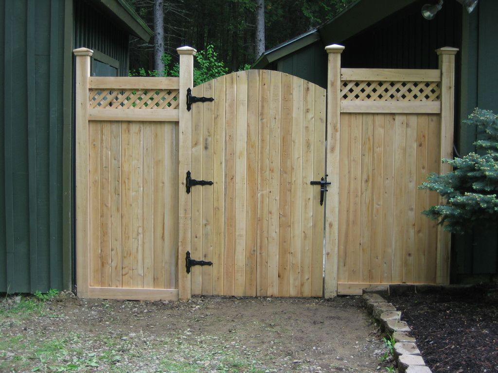 Yard fence ideas fence designs outdoors pinterest for Simple fence plans