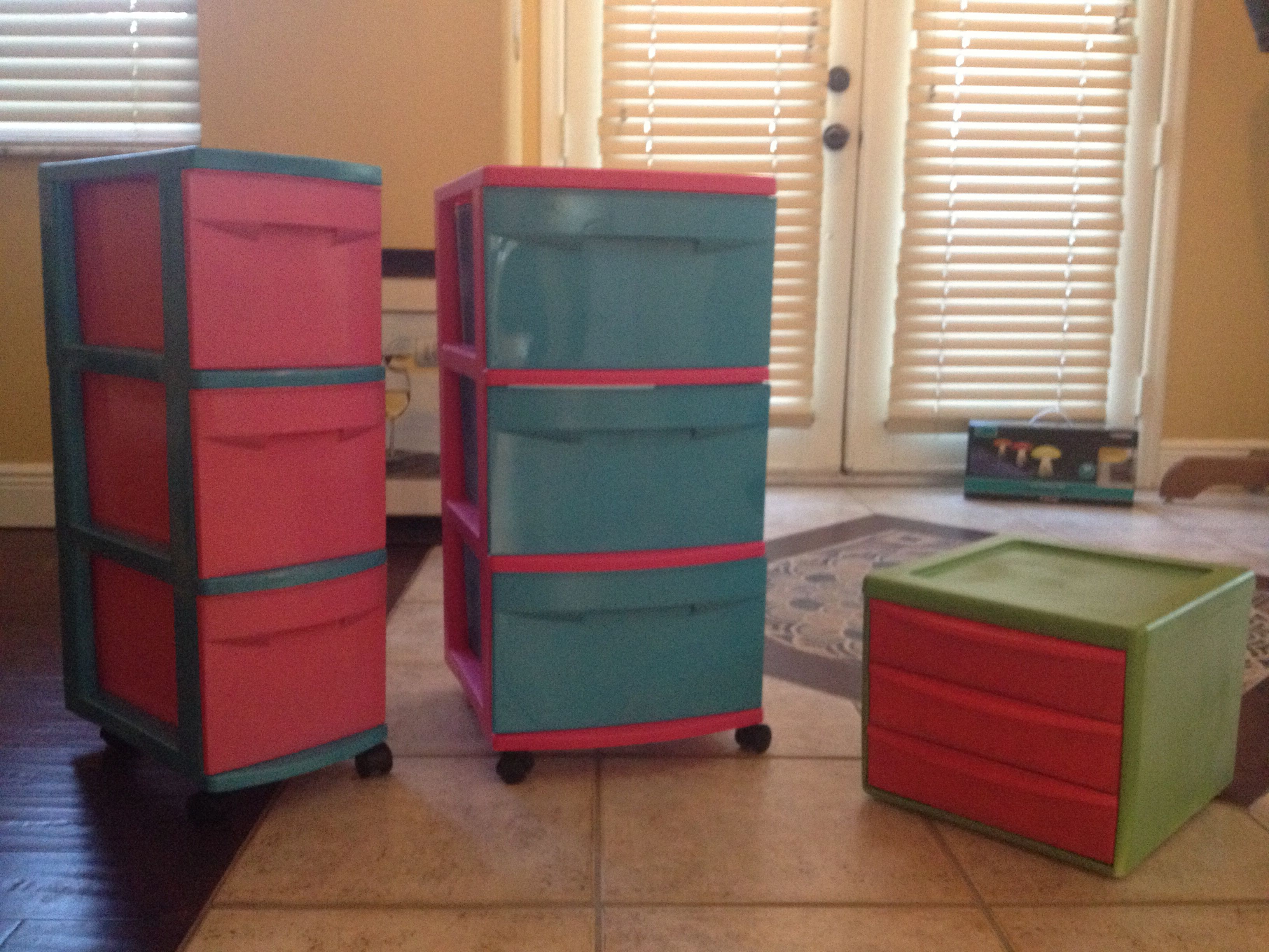 Make plastic storage bins more attractive by spray for Painting plastic bins