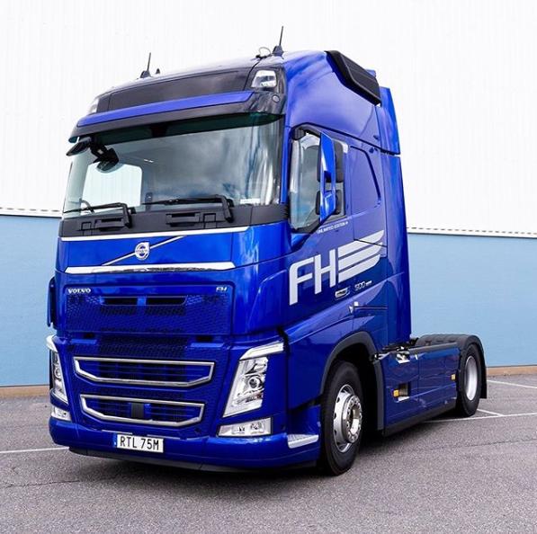Blue Volvo Fh Truck Volvo Volvo Trucks Trucks