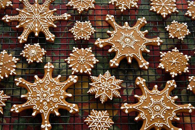 CosmoCookie: Iced Gingerbread Snowflake Cookies