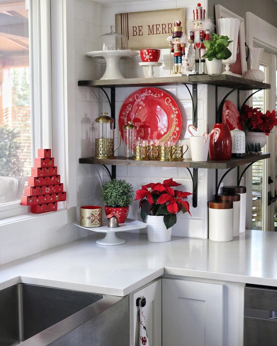 red white christmas kitchen whitekitchen christmaskitchen christmasdecor christmas on kitchen xmas decor id=47792