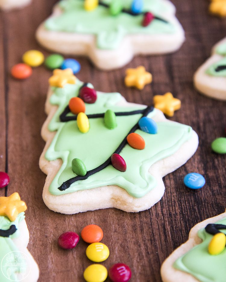 These Christmas Tree Sugar Cookies Are Easy And Adorable Tree Shaped S Christmas Tree Sugar Cookie Recipe Christmas Sugar Cookies Royal Icing Christmas Cookies