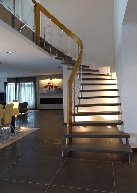 Escalier Suspendu Marches Béton Ciré Arrivant Sur Mezzanine   Construction  Escalier Beton Interieur