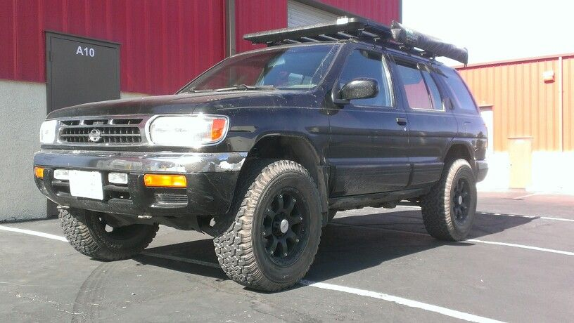 1998 Nissan Pathfinder after Leveling Kit Installation
