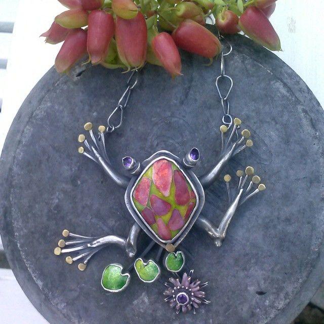 Kristin Holeman- The Frog in my Garden. Necklace/ pin. cloisonne Enamel glassonmetal vitreousenamel Frog Silver gold kristinholeman