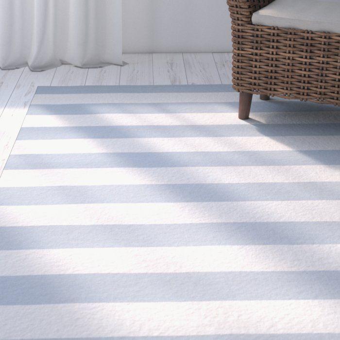 Handgefertigter Teppich Dunkelberger in Himmelblau/Weiß