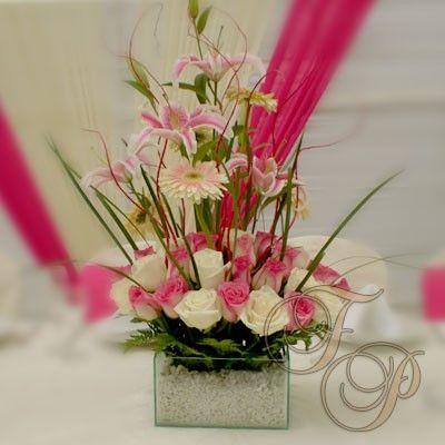 Elegante-Arreglo-Floral-de-Centro centros de mesa Pinterest - Arreglos Florales Bonitos