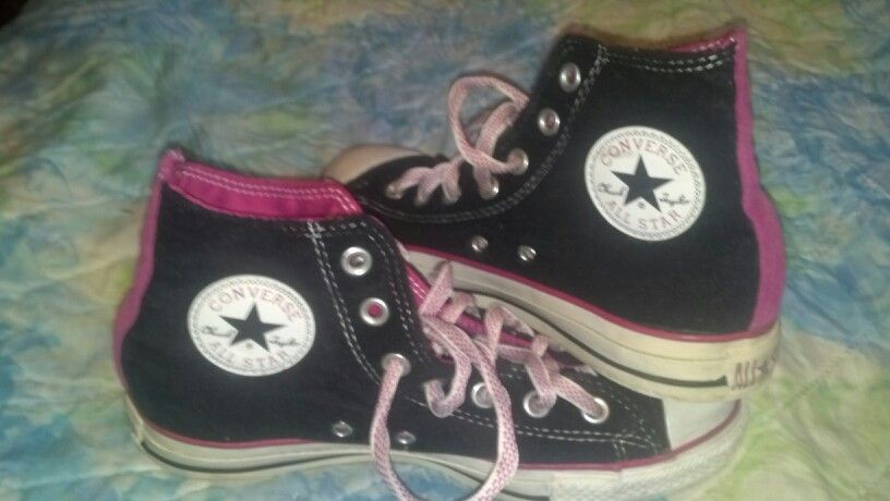 ... where can i buy converse black pink velvet chuck taylors high top 967c0  e1ec5 closeout euc converse chuck taylor all star ... 701d0c893