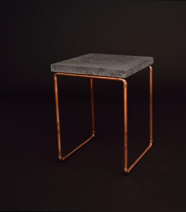 beistelltische beistelltisch kupfer beton ein designerst ck von mirvintage bei dawanda. Black Bedroom Furniture Sets. Home Design Ideas