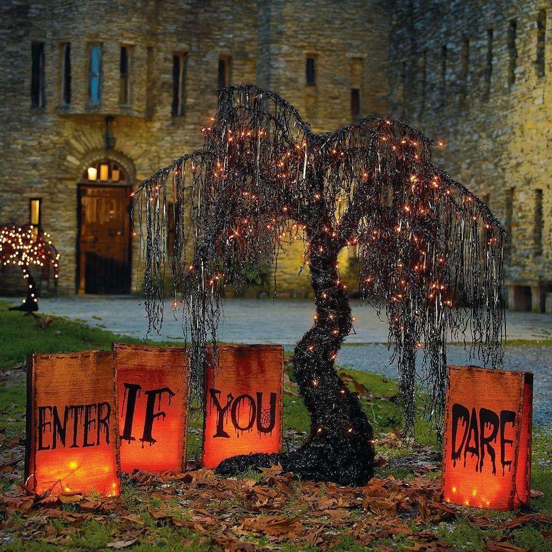 35 Beautiful Halloween Outdoor Lighting Decorations Ideas