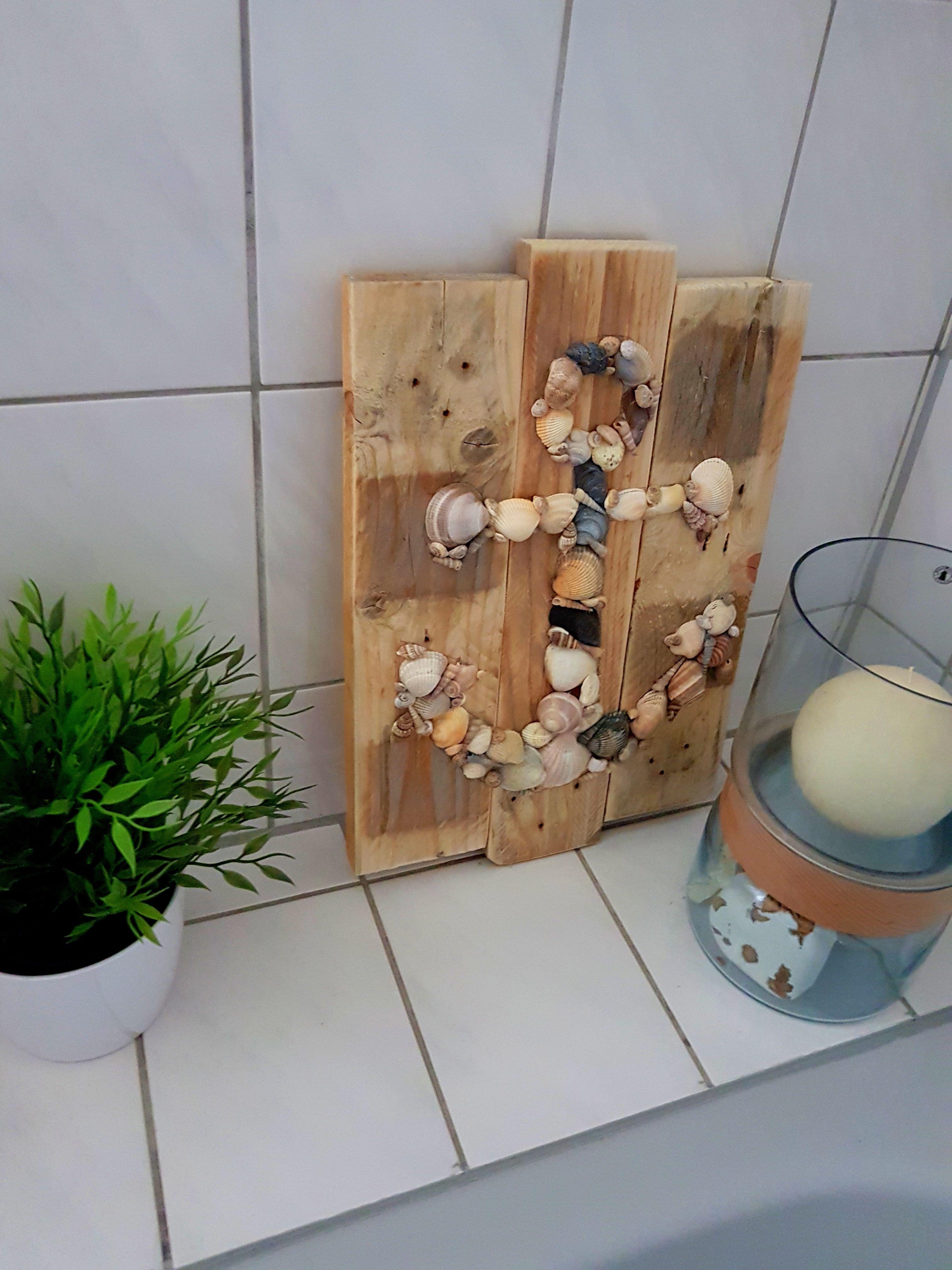 Muschelbild Badezimmer Bad Diy Holz Palettenholz Muscheln Anker Bild Aufhangen Wand Deko Dekoration A Palettenholz Diy Holz Diy Bader